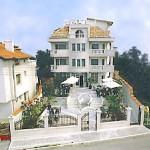 Alexander Family Hotel