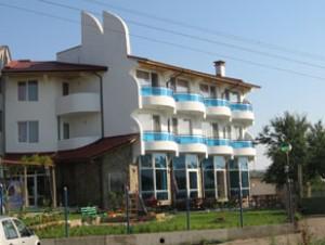 Delfina Family Hotel